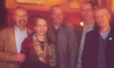 Van links naar rechts Arthur Kleinman, mw. Joan Kleinman, Hans Rohlof, Rob van Dijk, Ria Borra